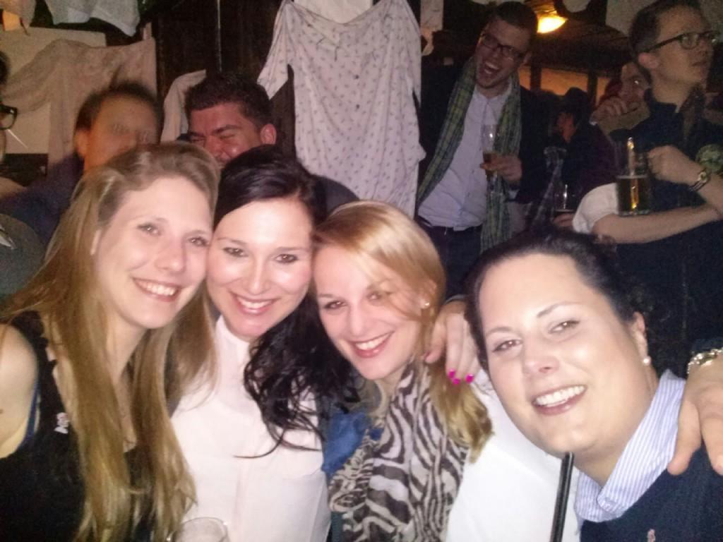 Audrey, Anna und unsere zwei Aspirantinnen Yvonne und Nicolette