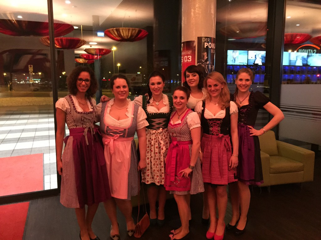 Die Ladies in Tracht - leider noch nicht vollzählig!